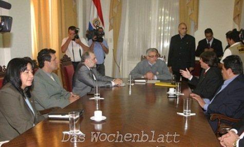 Lugo mit Abgeordneten (Presidencia)