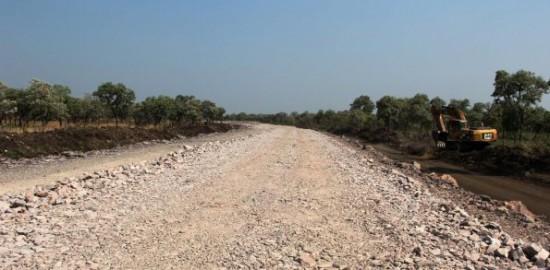 las-mismas-autoridades-del-mopc-comprobaron-el-escaso-avance-en-el-tramo-de-52-km-correspondiente-al-consorcio-tagatiya-_595_293_1151730