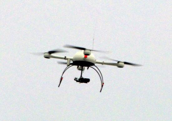 800px-Polizei-Drohne_Sensocopter_2011