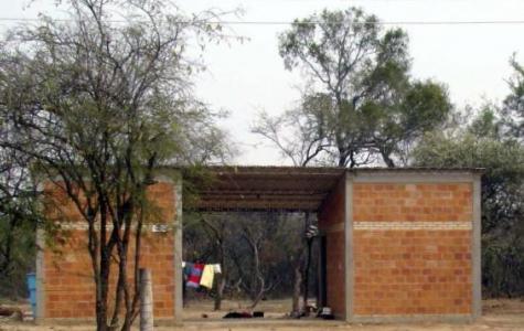 Staat zahlte bis zu 39 Millionen Guaranies für Häuser ohne Putz und Bad im Chaco