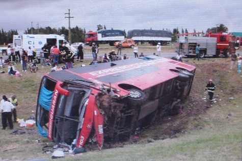 Paraguayischer Bus verunglückt in Argentinien: 1 Tote, 37 Verletzte