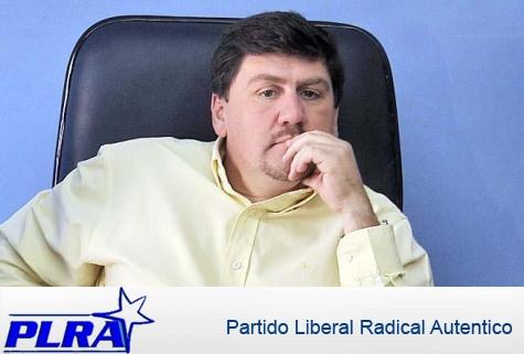 Senator und Parteipräsident Blas Llano akzeptiert Präsidentschaftskandidatur für die PLRA in 2013