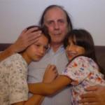 Französischer Vater stellt sich mit seinen Kindern der Justiz
