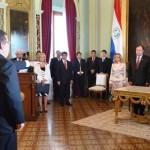 Ex Präsident leistet Eid als Botschafter