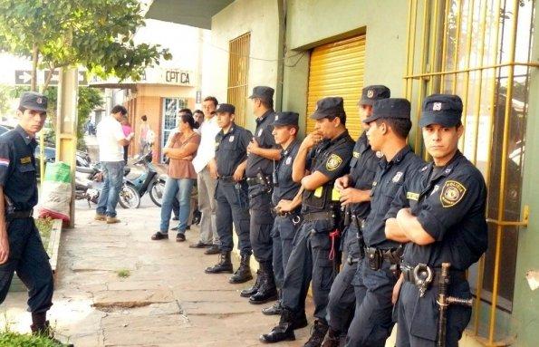 3000 bis 4000 Polizisten