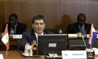 Präsident Horacio Cartes kondoliert Frankreich