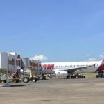 TAM Flugzeug kehrt um wegen Bombendrohung