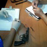 Anwohner fangen bewaffneten Räuber