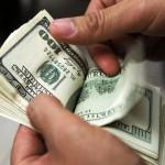 Ein Siebenjähriger verteilt 9.000 US Dollar