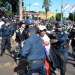Ausschreitungen bei Demonstrationen gegen Bürgermeisterin