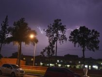 Aufziehendes Unwetter sorgt für eine Sondermeldung der Wetterbehörde