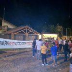 Demonstrationen vor dem Haus von Lugo