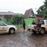 Hausbesitzer schlägt Räuber in die Flucht