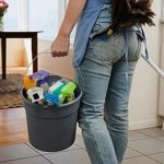 Hausangestellte in Sorge wegen der Krankenversicherung