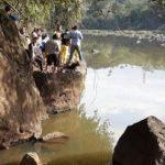 Fischer verschwindet spurlos in den Fluten vom Acaray