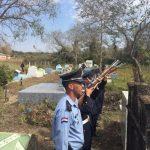 Ehrensalut für einen tapferen Polizisten