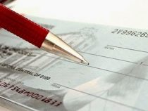 Bank löst angeblich Scheck mit gefälschter Unterschrift ein