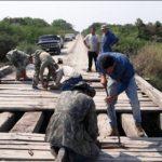 Bürgerunion repariert Brücken und Straßen im Chaco