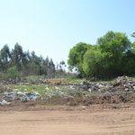 Städtische Mülldeponie verunreinigt Fluss