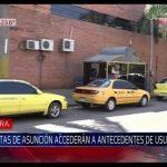 Ausweiskontrolle von Taxifahrgästen