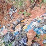 Straße als Mülldeponie