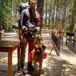 Ein Mann, ein Hund und ihre lange Reise