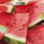 Genießen Sie die Wassermelone