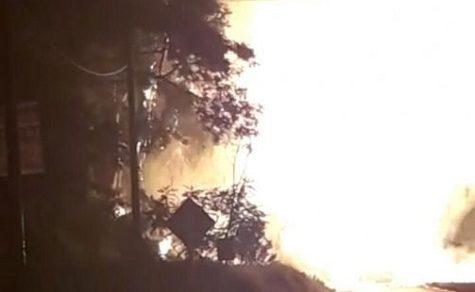LKW mit Gasflaschen fängt Feuer