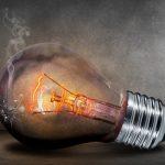 Eine Glühbirne bringt den Tod