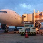 274 Passagiere warten auf Weiterflug nach Paris