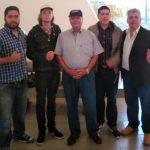 Alfredo Jaeggli bringt vier politische Flüchtlinge heim