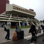 Auto mit Kranwagen vom Flughafen gestohlen
