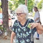 Mit 94 wartet eine Witwe auf die Rente