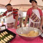 Chipas mit Zitrusfrüchten