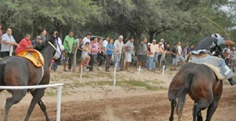 """13-Jähriger """"Jockey"""" stirbt bei Pferderennen in Guairá"""