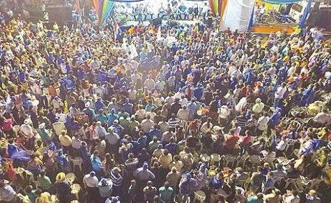 Lugo verspricht den Campesinos 8 Millionen Hektar Land