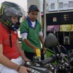 Regierung gibt Preis für Benzin frei