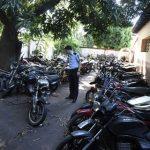 Polizeistationen überfüllt mit beschlagnahmten Motorrädern