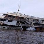 Ausflugsschiff für Touristen gesunken