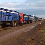Transchaco gesperrt: 200 Lastkraftwagen und Busse harrten 18 Stunden aus