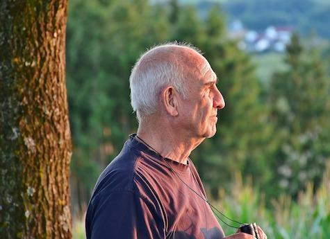 Zahl steigt deutlich - 1,5 Millionen Rentnern wird ihr Geld ins Ausland überwiesen