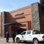 Verkehrspolizist überfahren und in Motel verschanzt