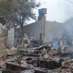 Haus brennt wegen Wassermangel ab