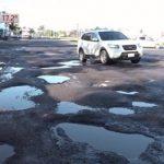 Willkommen Touristen in Paraguay: Landesmarke Schlaglöcher