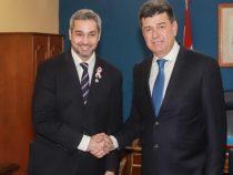 Mario Abdo besucht PLRA Parteizentrale