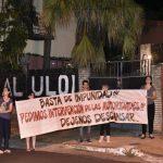 Nachbarn protestieren wegen massiver Lärmbelästigung eines Nachtclubs