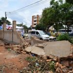 Eine Wand, die Millionen von Guaranies kostete, stürzt nach dem ersten Regen ein