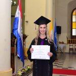 Die beste Studentin aller Zeiten schreibt Geschichte in der Katholischen Universität