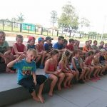 Kinder brauchen Abenteuer: Neue Wege beim Sportplatz in Independencia