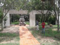 Eine Gedenkstätte für den erschossenen Gründer der paraguayischen Fußballliga